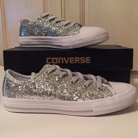 8f1d3ca5a6530b NWB Converse Chuck Taylor All Star Glitter Low Top